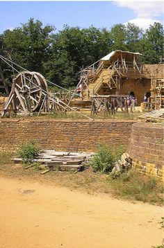 Guédelon castle, a recreation of a 13th century castle being built in Treigny, France http://www.guedelon.fr/en/