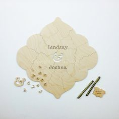Custom wooden MEDALLION Puzzle, with your names or wedding date cut onto it. A rustic yet refined #wedding guest book alternative.