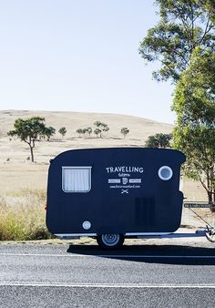 Travelling Wares caravan shop // Australia