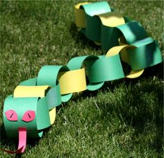 paper chain snake {for when Moses staff turns into a snake}