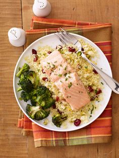 Healthy dinner recipes: Salmon with Couscous Packets