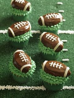 Football cupcakes #superbowl