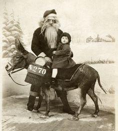 mental floss, vintage photos, creepi santa, santa claus, santa time