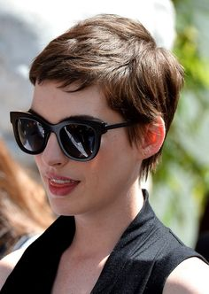 Anne Hathaway Layered Short Pixie Cut for Thick Hair