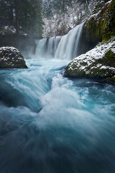 FRIGID SPIRIT  Columbia River Gorge, Washington, USA - photo Alex Mody