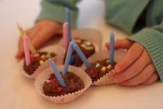 Make playdough cupcakes