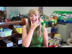 Video showing hand signals for teaching the short vowel sounds.