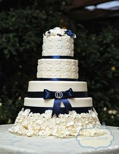 47 Mysterious Midnight Blue Wedding Ideas   HappyWedd.com cake, chocolate fudge, carrot, wedding ideas, red velvet, blue weddings, blues, sugar flowers, midnight blue