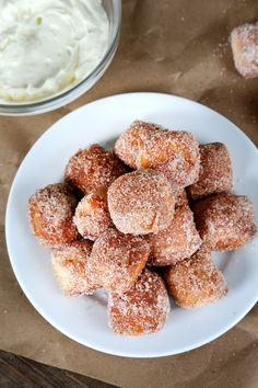 Auntie Anne's-Style Cinnamon Sugar Gluten Free Soft Pretzel Bites and Sticks. ☀CQ #glutenfree