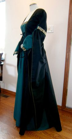 Custom Order Medieval Dress Renaissance Gown by CadwaladrCostumes