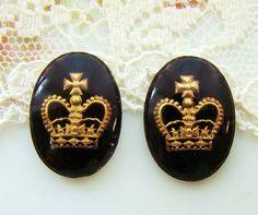 Vintage Black and Gold Crown Glass Intaglio by alyssabethsvintage, $5.00
