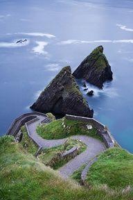 Places To Go, Ya Know... - Dun Chaoin Pier / Ireland - #travel #honeymoon #destinationwedding