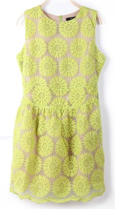 Green Sleeveless Sunflower Embroidery Bilayer Dress