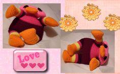 Funmigurumi Cuddler: Plattie the Platypus. A precious and easy, FREE crochet Amigurumi pattern! #freecrochetamigurumipattern #freecrochetamigurumiplatypuspattern #freefunmigurumiplatypuspattern