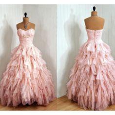 prettiest prom dress ever.