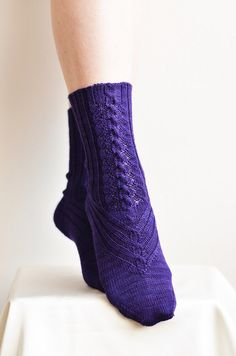 knit socks; nice cable