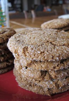 Love these Gingerbread Cookies Recipes! These are made with natural ingredients and has no sugar added. #nosugaradded #healthydesserts #cleaneating
