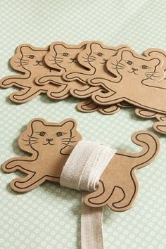 #craft #supplies #spool #paper #diy #gift #sewing #cat