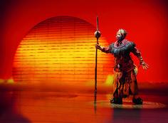 Rafiki das musical disneys der könig der löwen im stage hafentheater