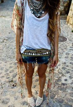 love this look!!!! maybe with long ripped up jeans for the warm winter in Tucson