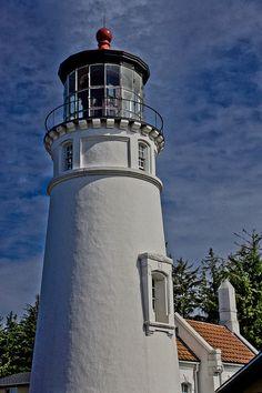 Umpqua Lighthouse, Oregon Coast  http://oregonbeachvacations.com/