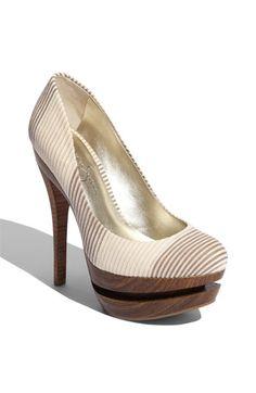 Heels with wood platform