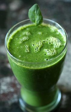 10 Spinach smoothie recipes. #food #smoothies #drinks #breakfast