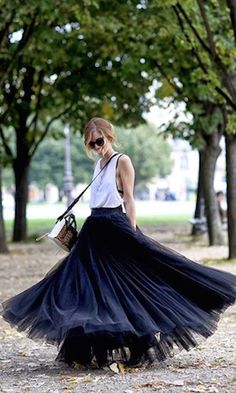 gorgeous tulle skirt http://rstyle.me/n/i8muwr9te