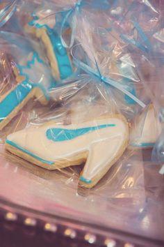 Cinderella birthday party  #Cinderella cookies
