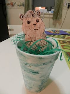 Groundhog Pop-Up Puppet