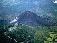 el salvador | El Salvador's highest peak, the Santa Ana (Ilamatepec) Volcano ...