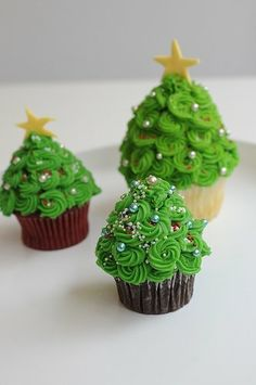 Christmas Tree Cupcakes + 99 other cupcake ideas