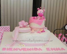 Torta con jirafas para un Baby Shower. #babyshower #cake #pink #pastel http://antonelladipietro.com.ar/blog/2012/11/babyshower-sandravillarruel/