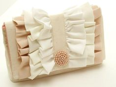 DIY ruffle clutch.