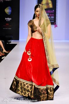Maushmi Badra at Bangalore Fashion Week 2013