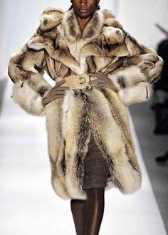 Dennis Basso Fall/Winter 2011/2012 Ready To Wear | New York fur fur, fur accent, style, fur coat, denni basso, basso fallwint