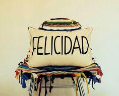 Decora en castellano, que felicidad es una buena palabra!!