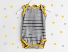 Baby onsie made from up-cycled T-shirt :o) DIY