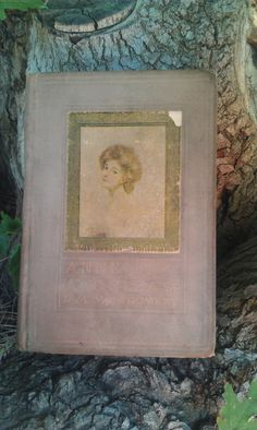 vintage Anne of green Gables book