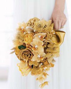 Gorgeous gold wedding flowers