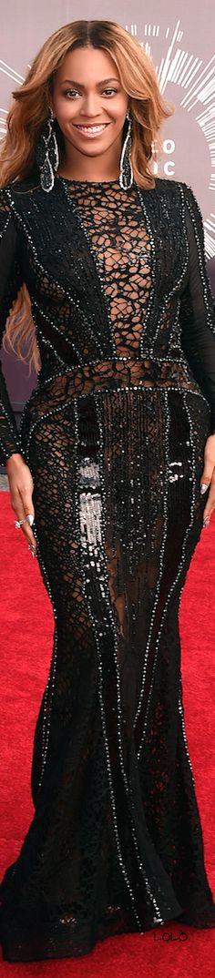 Beyoncé in a Nicolas Jebran Dress VMA Red Carpet