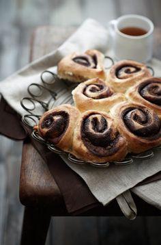 foods, early mornings, cinnamon rolls, cinnamon bread, breakfast, coffee, roses, sweet rolls, afternoon tea