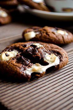 Marshmallow chocolate cookies | giverecipe.com | #cookies #chocolate #marshmallow #valentine's