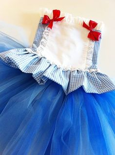 Idea for easy dorothy costume - Inspiration only due to bad link.