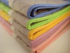 Handmade Baby Quilt for Sale by DeuxPetitesSouris on Etsy, $40.00