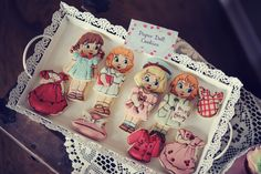 Paper Doll Cookies by Cookies With Character, photo: Draussen Photography #kids #party #desserttable