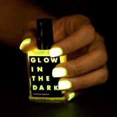 dark night, fashion make up, american apparel, dark nail, nail polish, neon nails, glow, nail gel, nail art