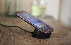 This easy hack adds wireless charging to Samsung Galaxy S3
