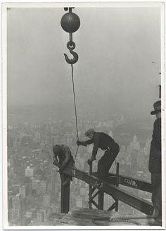 vintage photos, lewis hine, under construction, buildings, empir state, empire state building, build construct, public libraries, chrysler building
