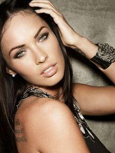 Megan fox  found on: http://www.cosmopolitan.com/celebrity/exclusive/megan-fox-interview-1009